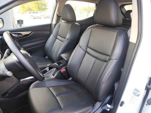 东风日产  2.0L CVT 前排座椅
