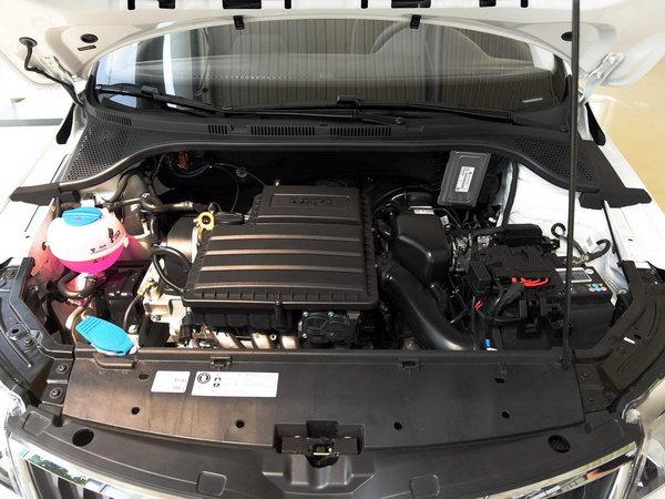 斯柯达  改款1.6L 发动机舱