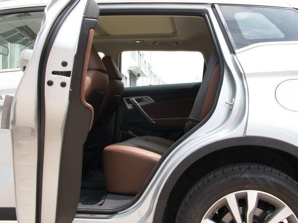 吉利汽车  1.8TD 第二排空间