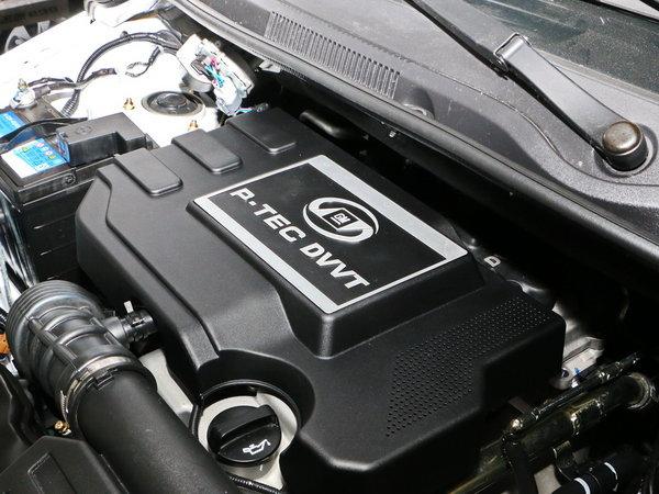 上汽通用五菱  1.5L 发动机主体特写