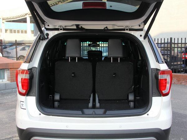 福特(进口)  2.3T 后备箱