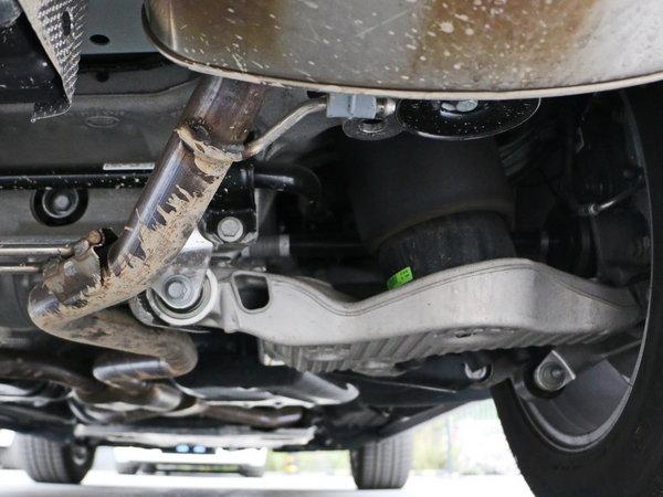 路虎  3.0 V6 SC 右后悬架