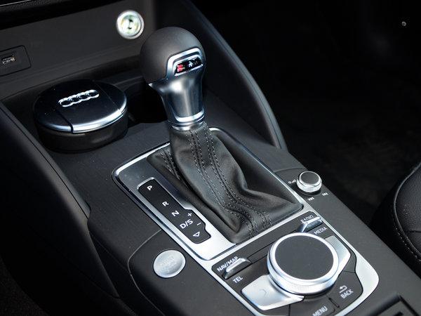 一汽奥迪  Limousine 40 TFSI 换挡杆