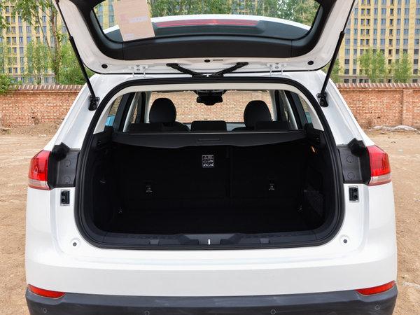 哈弗汽车  改款 蓝标 2.0T 后备箱