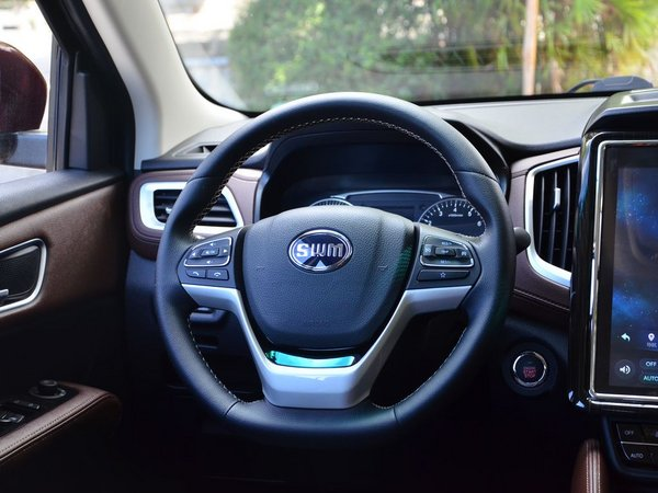 SWM斯威汽车  1.5T 方向盘