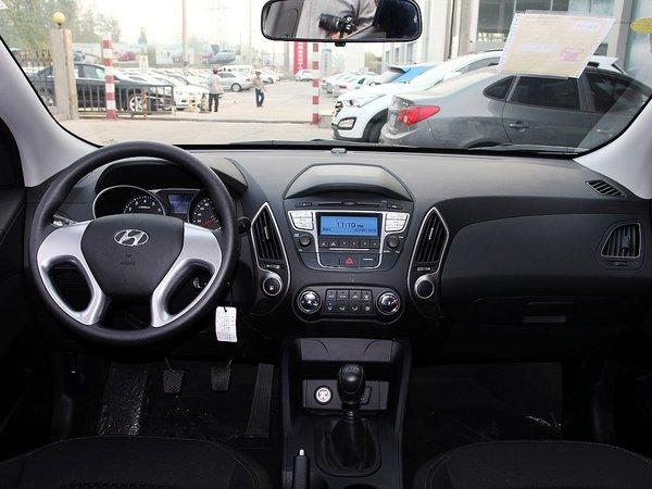 北京现代  改款 GL 2.0L 手动 中控台整体