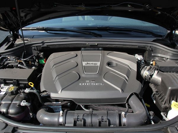 jeep 基本型 发动机舱