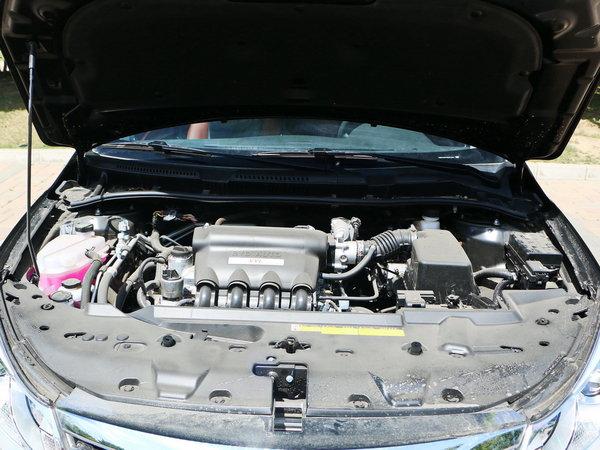 比亚迪 1.5l 发动机舱图片