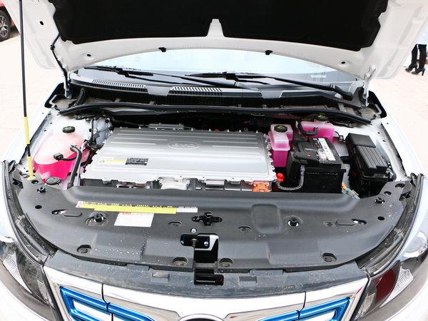 比亚迪e5配备的电动机最大功率160kw,峰值扭矩达到310n·m,新车