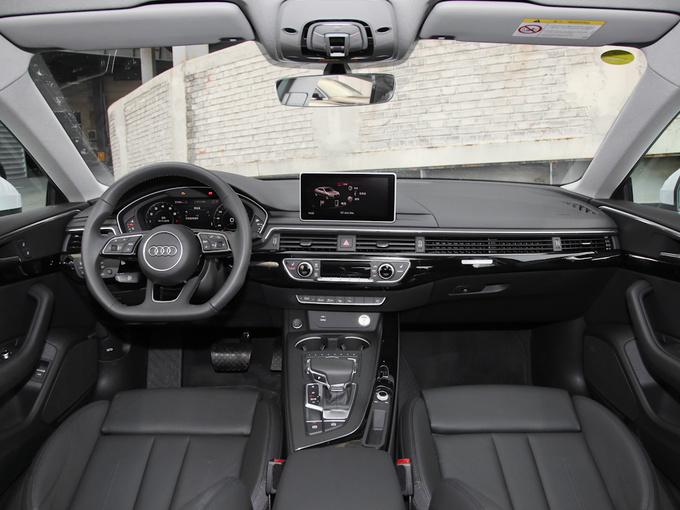 奥迪(进口)  Sportback 45 TFSI quattro 大中控全景