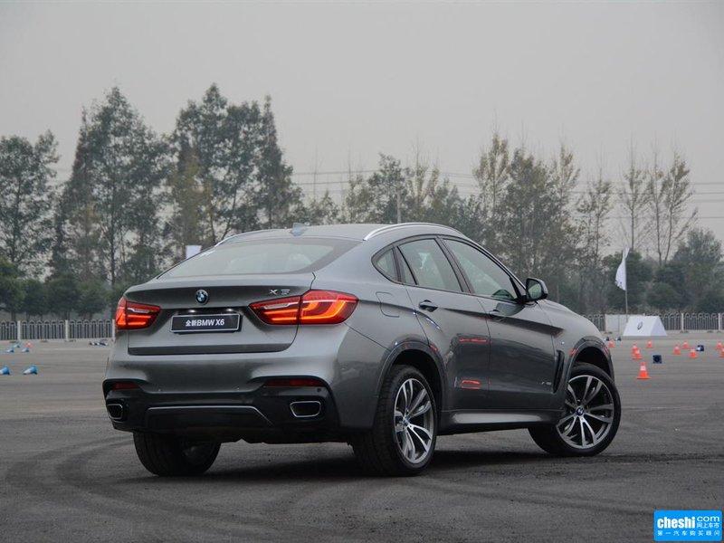 汽车图片 宝马 宝马x6 2015款 xdrive50i m运动型 5座  外观整体 (27