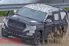 Jeep全新大切诺基谍照 格栅面积或更大/年内发布