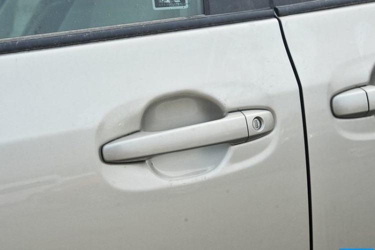 左前门把手